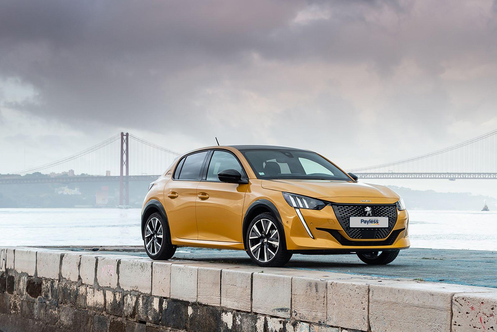 Peugeot 208 v žltej farbe, vysoká výbava, nový model